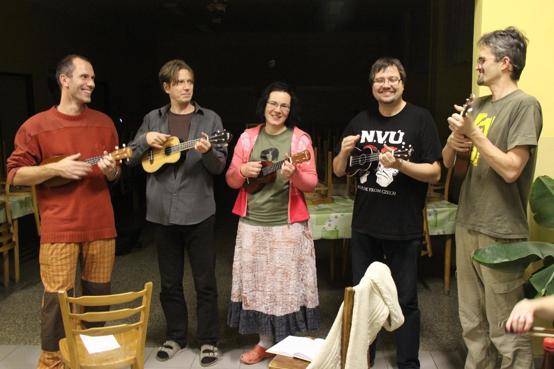 Lká ukulele tmou